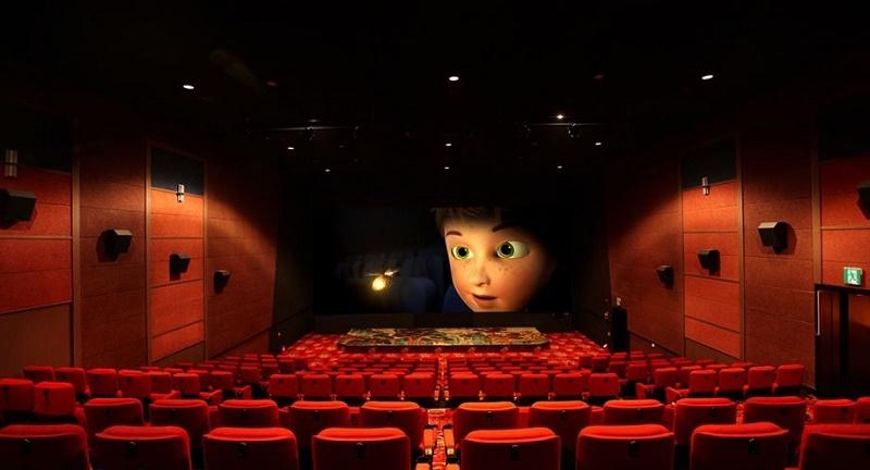 danang movie theater, things to do in da nang, da nang activities , 11 things to do in rainy days in Da Nang