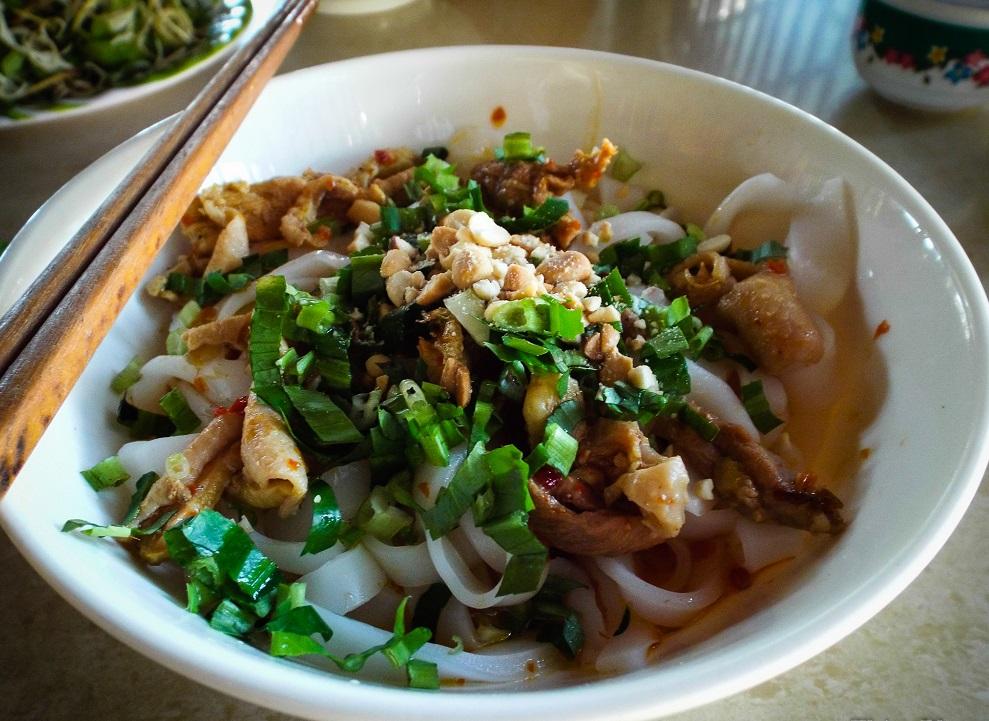 摩托化美食之旅, da nang walking food tour, danang food tour, danang foodie tour, danang food, danang cuisine, vietnam, mi quang, quang noodle