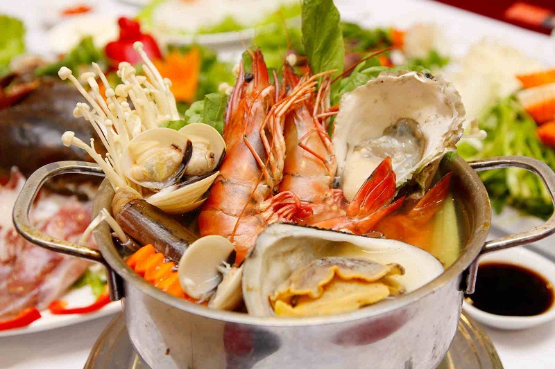 TOP 10 LOCAL SEAFOOD RESTAURANTS IN DANANG, 岘港Seafood Trail