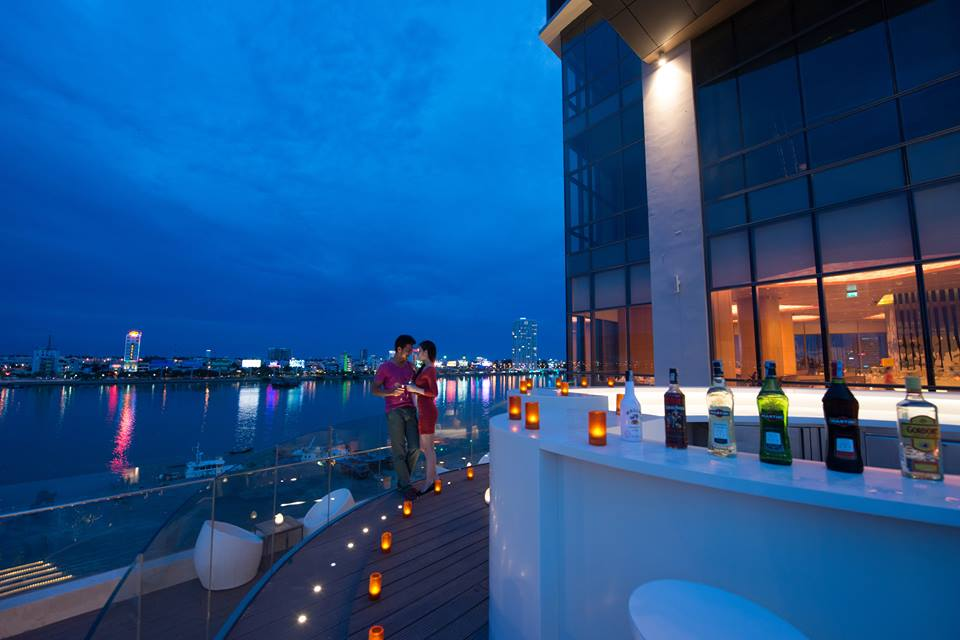 Top 10 Luxury Escape Resort In Da Nang, Novotel Danang Premier Han River
