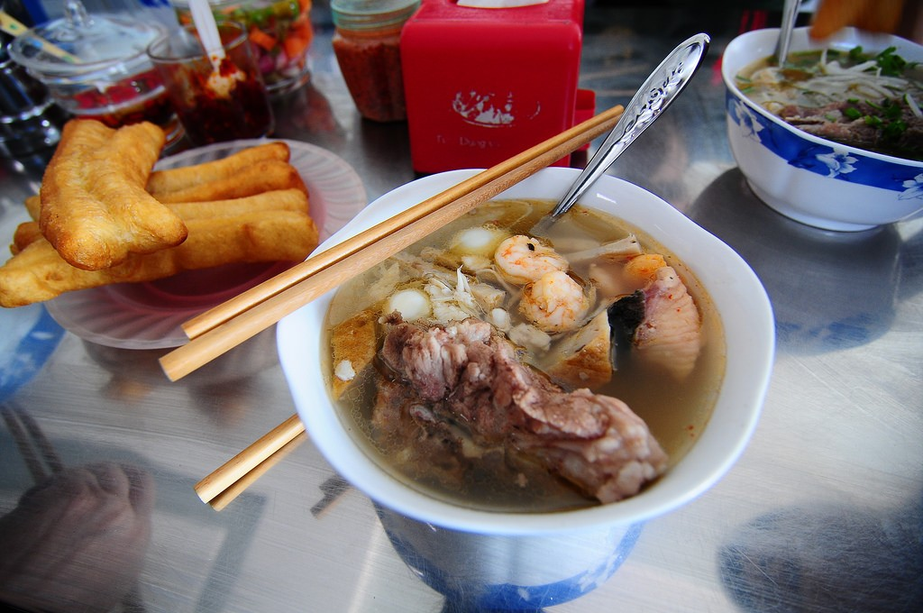 banh canh1, Top 7 Things To Eat for Breakfast In Da Nang