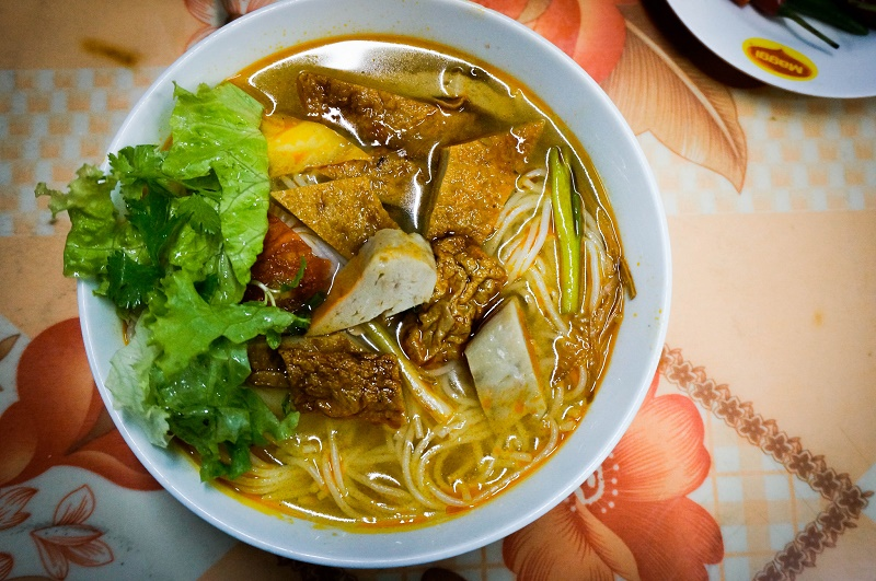 Must eat food in Da Nang, bun cha ca, fish cake noodle soup