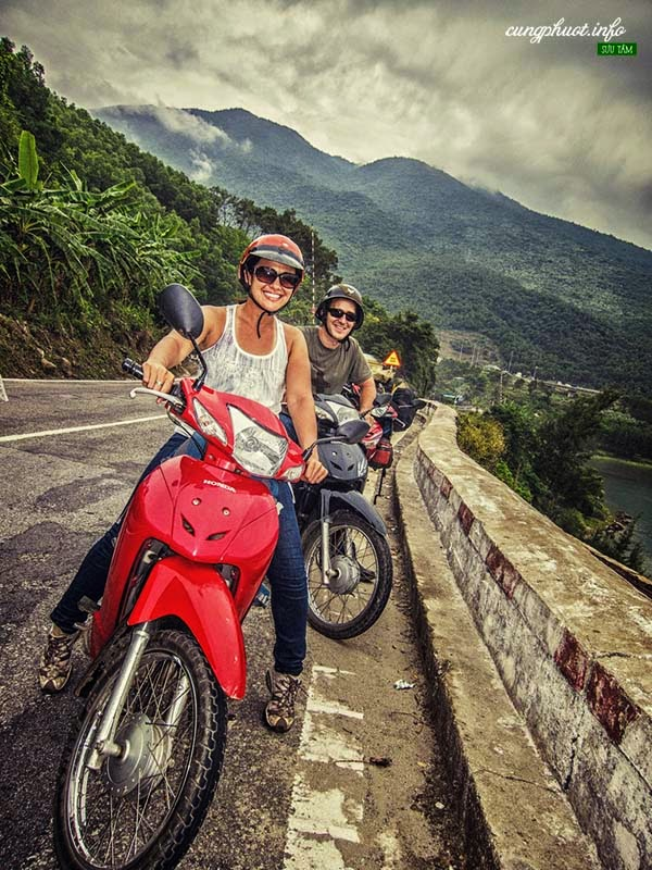 get to ba na hill by motorbike